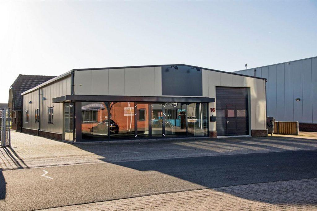showroom-holland-vloeren-buitenkant